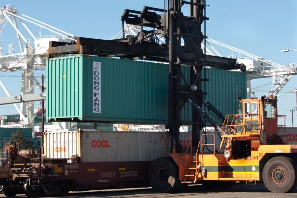 US Congressmen want to require carriers to load US exports