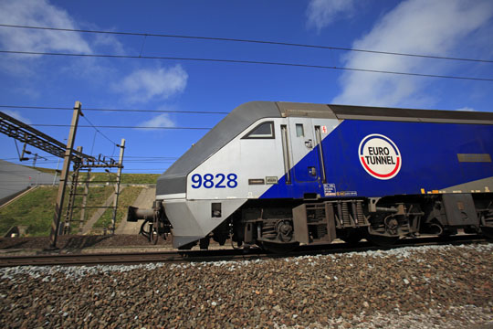 First Germany-UK Channel tunnel intermodal rail service