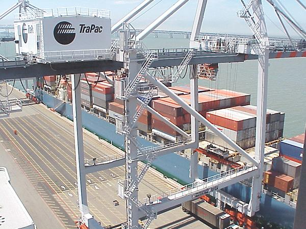 Oakland sees a surprise bounce in import cargo