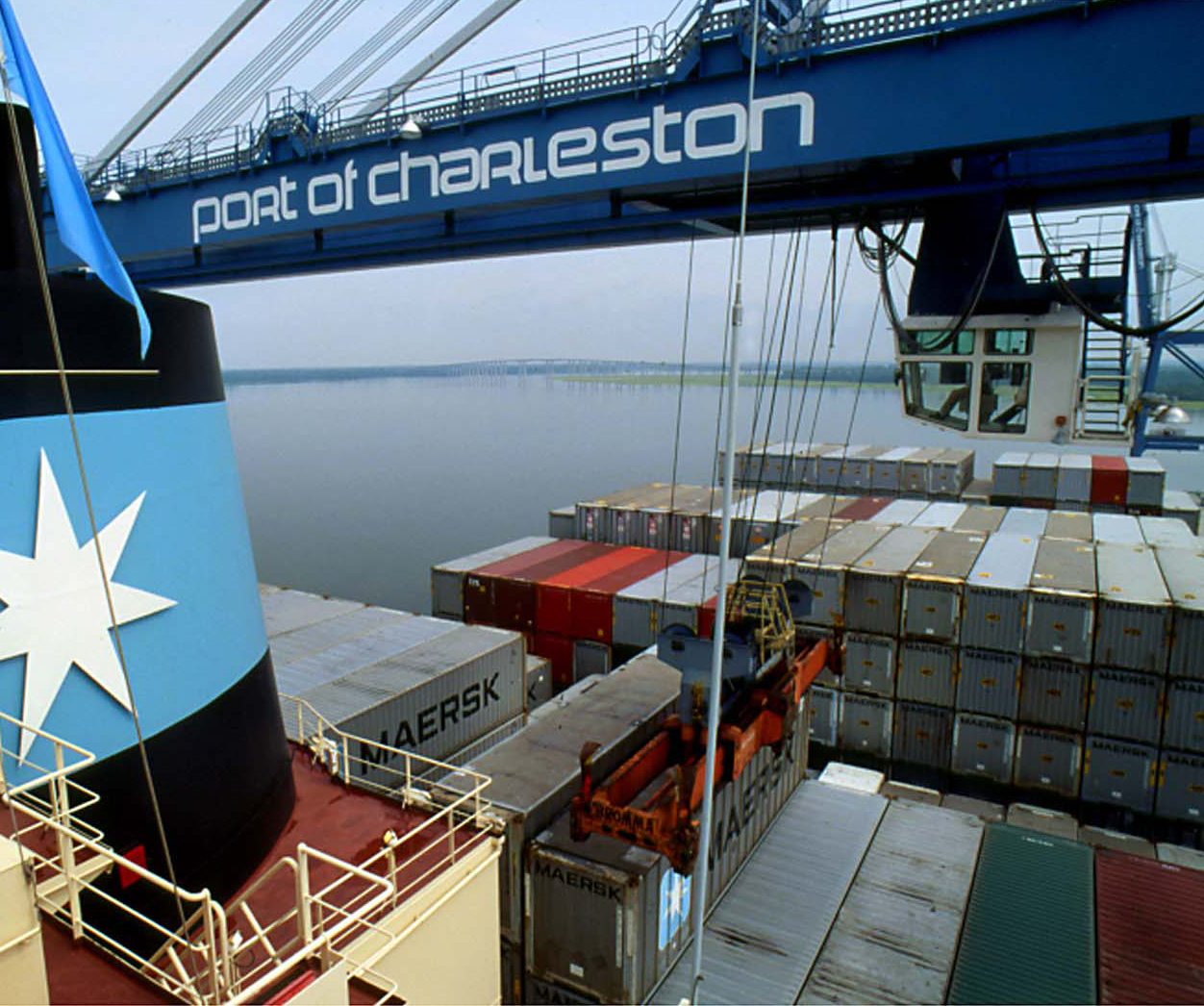 US ports show optimism and caution