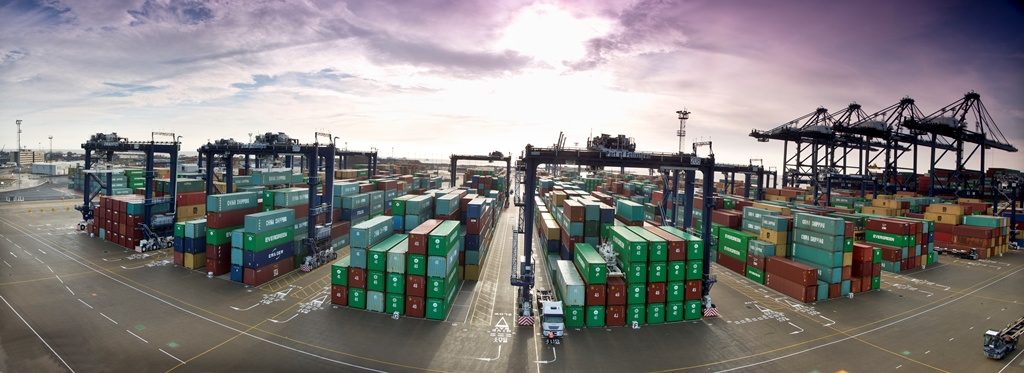 Felixstowe is planning to introduce automation in its RTG yard.