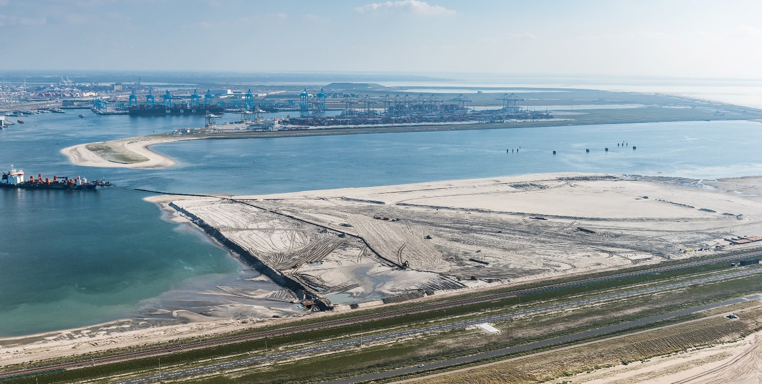 Maasvlakte II with the Offshore Center Rotterdam plot in the foreground