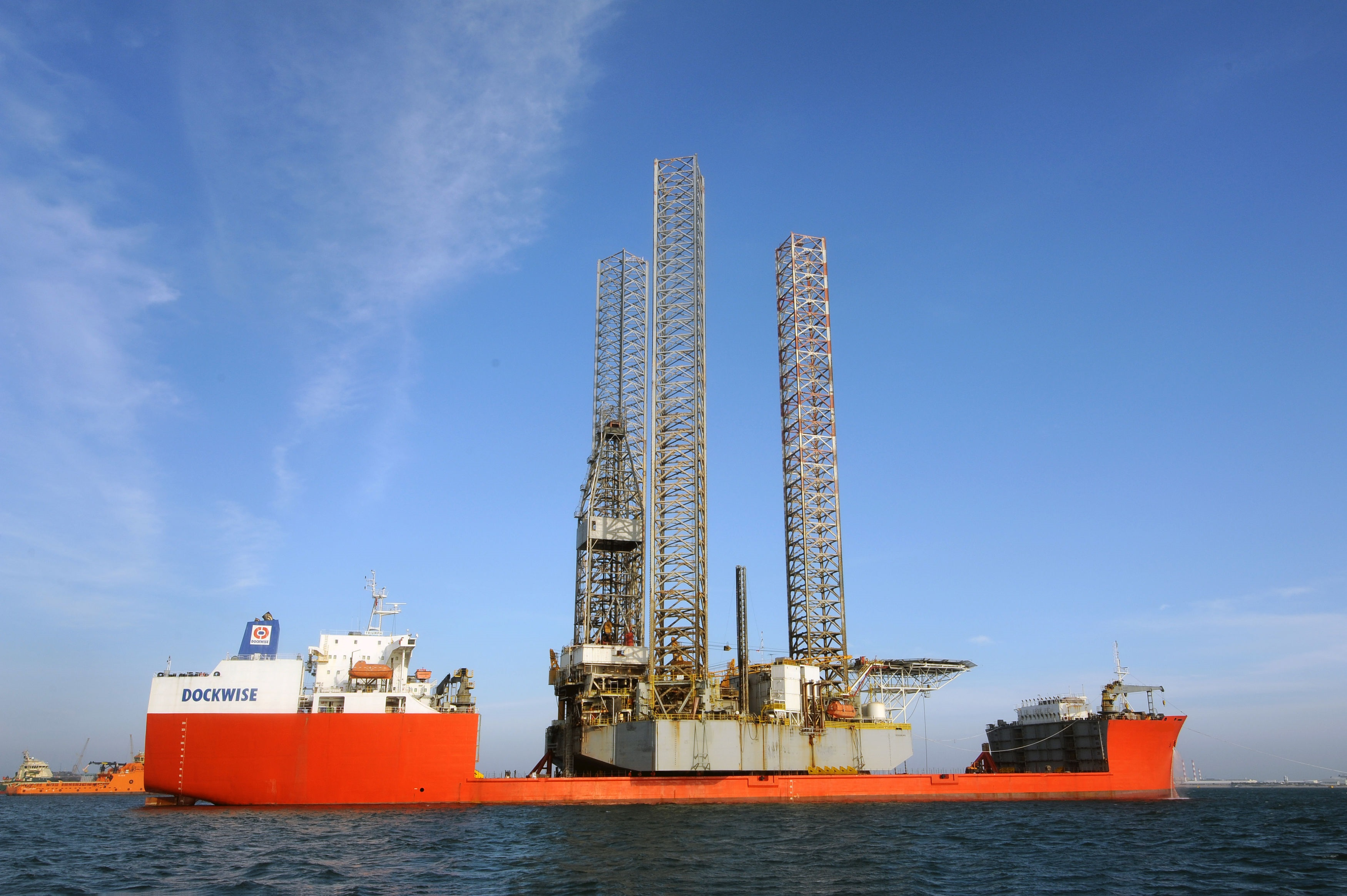 One of the closed stern Dockwise vessels that Boskalis is putting up for sale