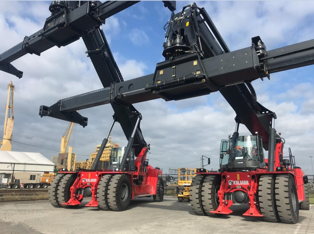 Kalmar reach stackers for ACFS with front support pads for extra second rail capabilities
