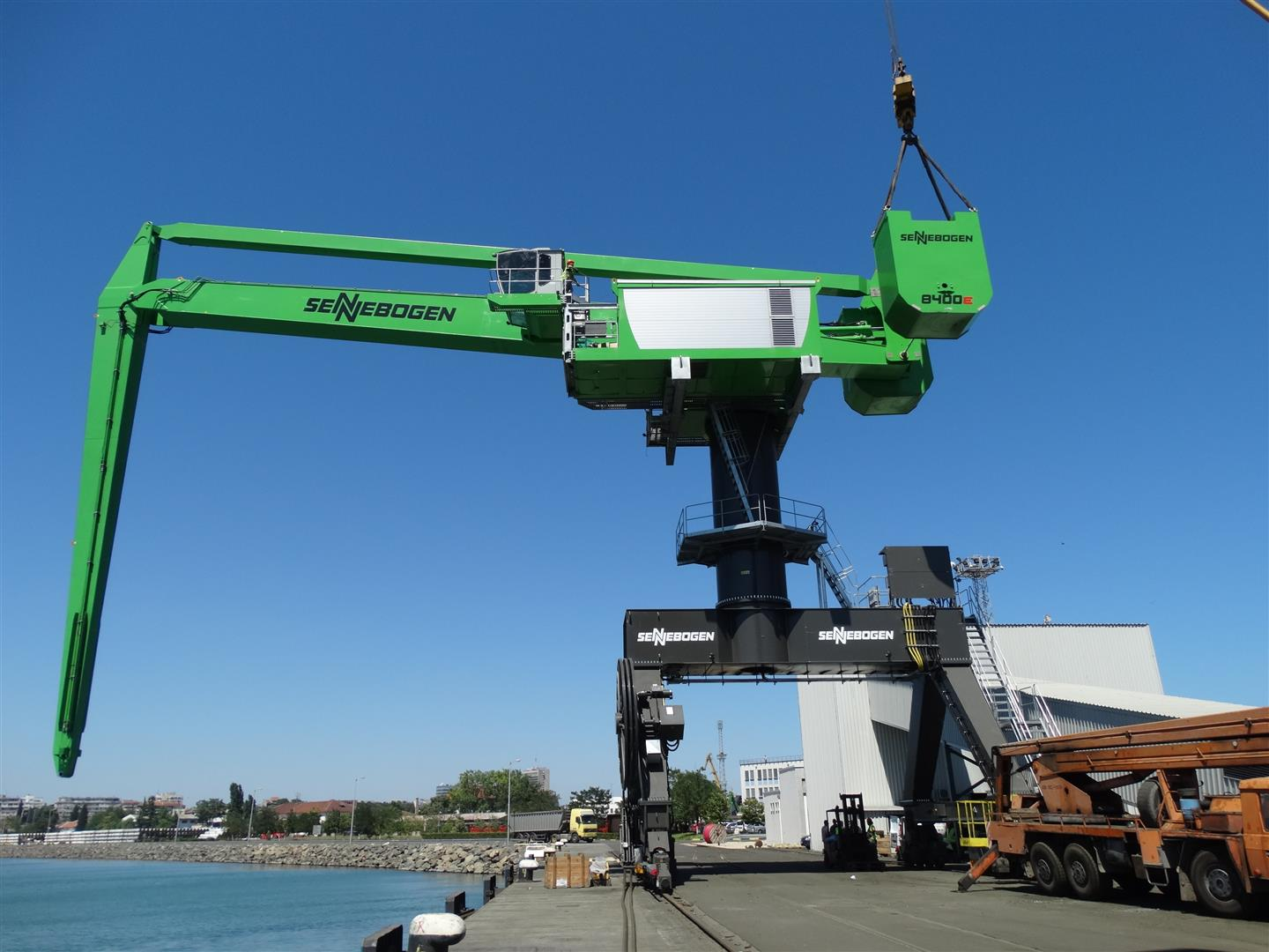The first Sennebogen 8400 EQ in now in operation at the Port of Burgas