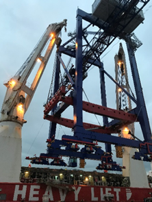 HHL's big lift for STS crane transport