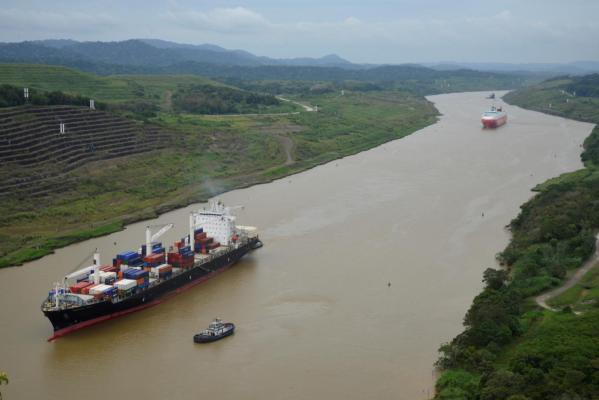 Opportunities and risks for the Panama Canal