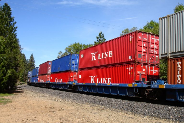 Doublestack on the SGR. (Photo: Daily Active Info, Kenya)