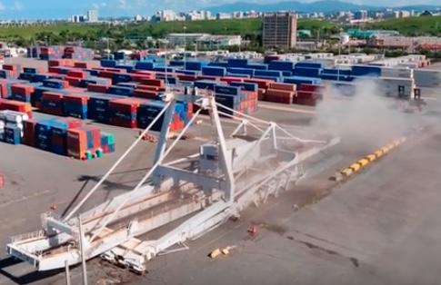 "A ""successful"" crane collapse"