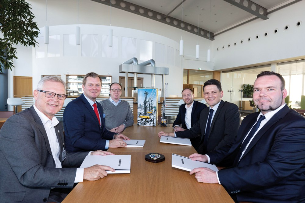 Contract signing at Liebherr's maritime cranes HQ in Rostock