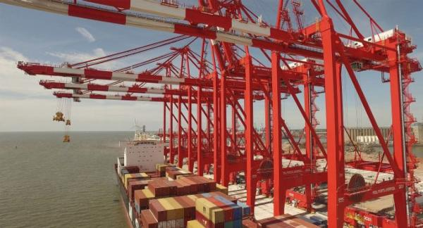 "Peel Ports slams Felixstowe and the ""southern ports imports gateway supply chain model"""