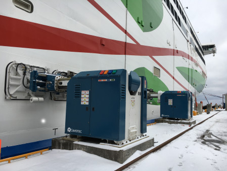 Automated mooring for electric ferries