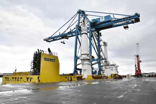 STS crane shipped from Bilbao to Guadeloupe