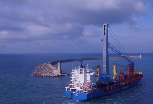 Lorenzini in Livorno receives new crane