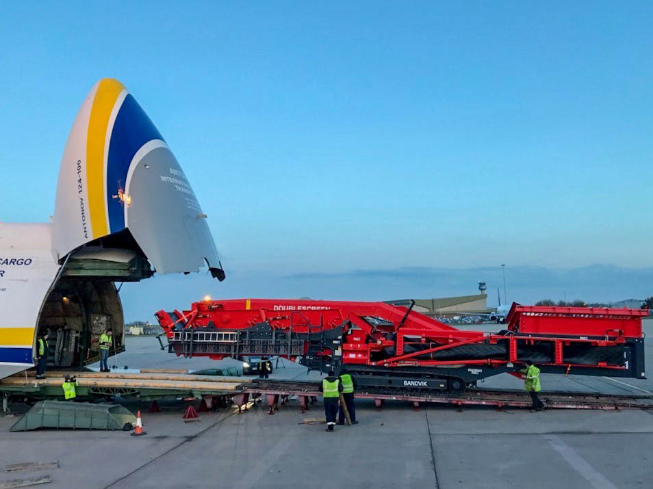 Antonov flies mining equipment to Gabon