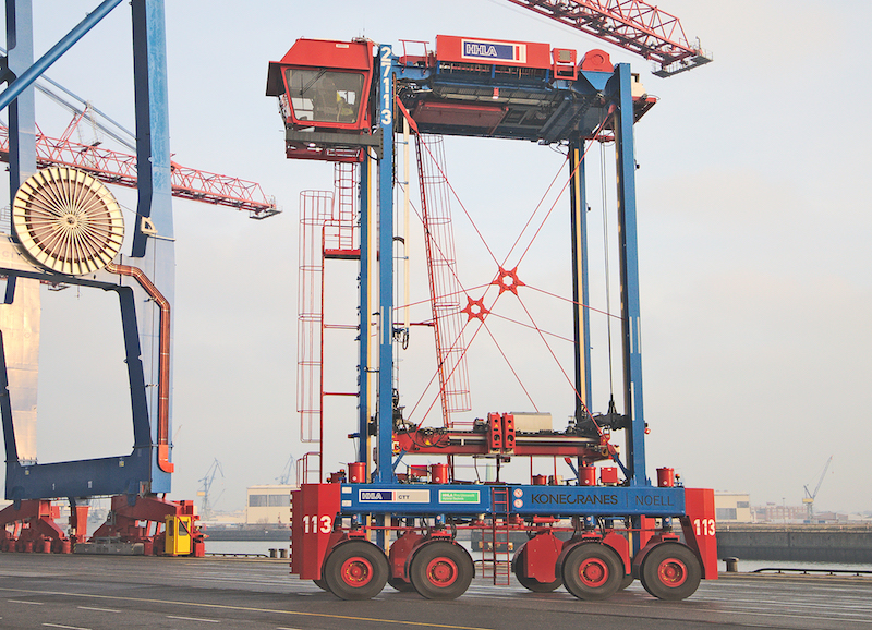 HHLA commissions first Konecranes Noell new generation hybrid straddle carriers