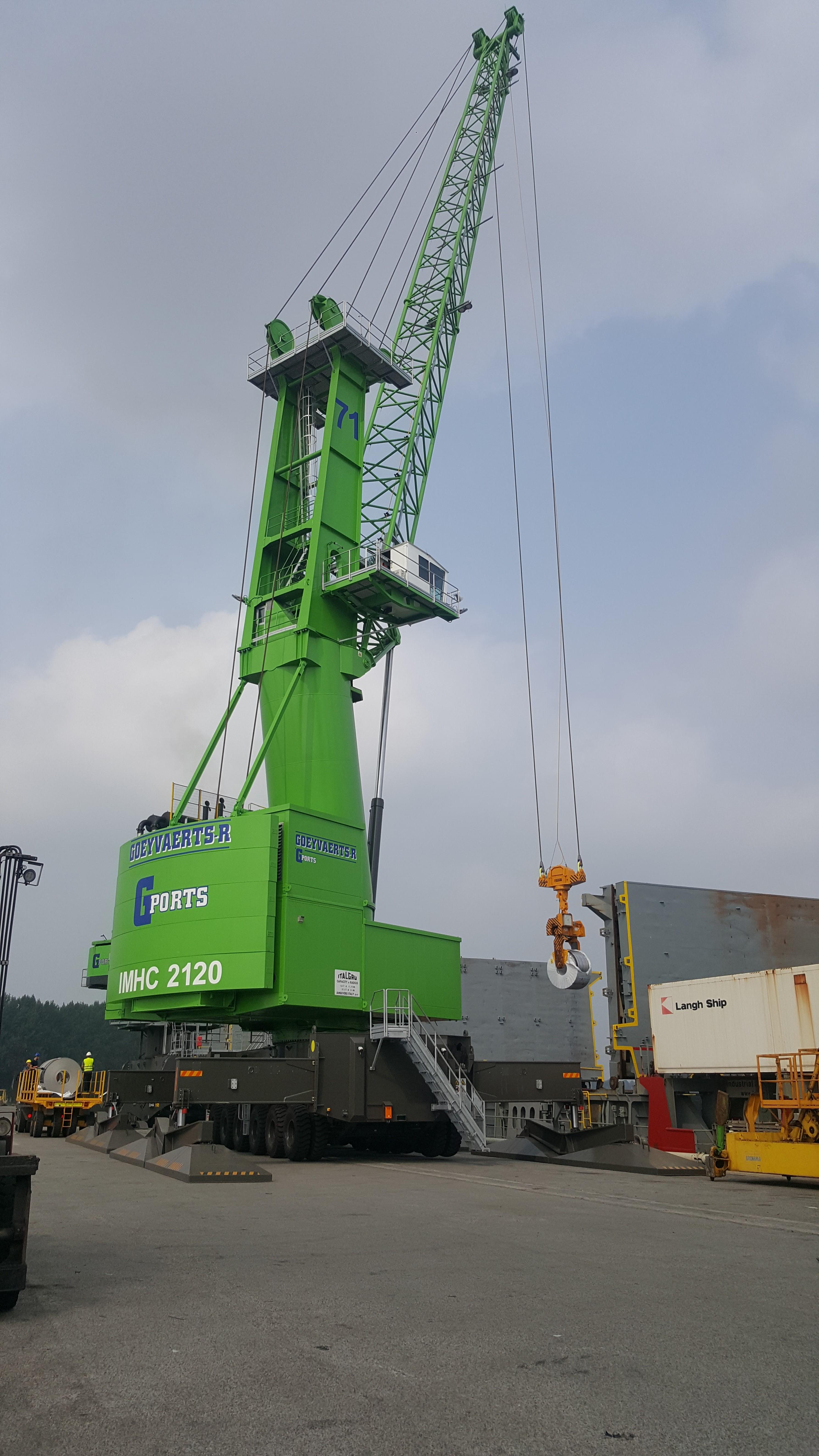 Italgru IMHC 2120 in operation in Terneuzen