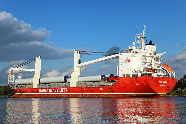 Spliethoff buys five HHL vessels
