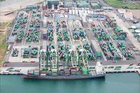 Panama ports break 7M TEU barrier