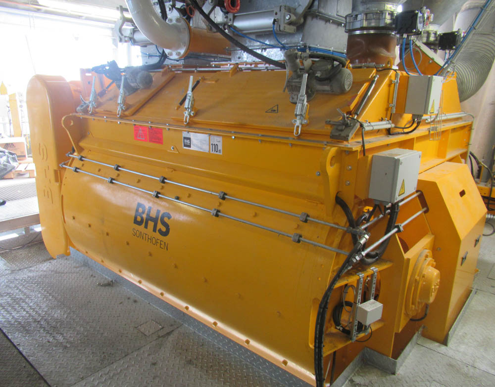 The new twin-shaft batch mixer at Issy-les-Moulineaux