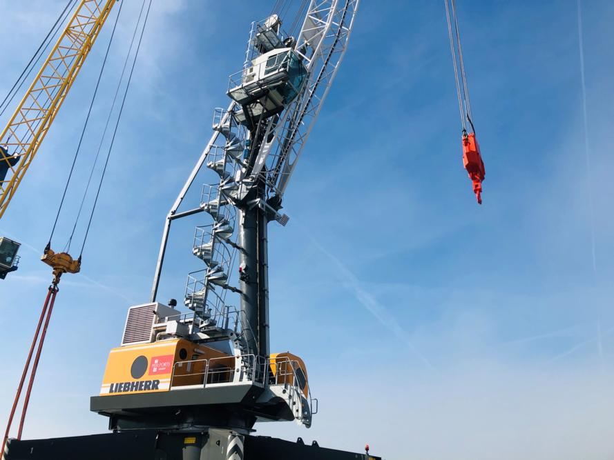 Port of Great Yarmouth receives new mobile harbour crane