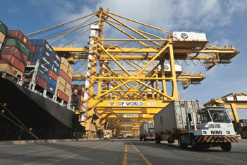 Fitch expects global container trade to fall 20%