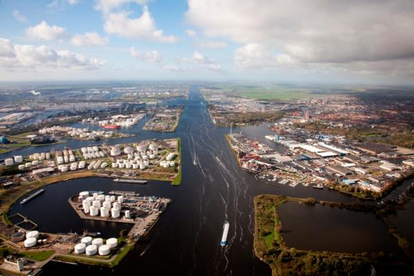 Amsterdam ports down 10.7% in H1