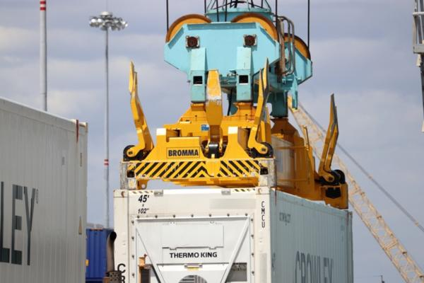 SSX53L in operation at Crowley Maritime's Jaxport facility