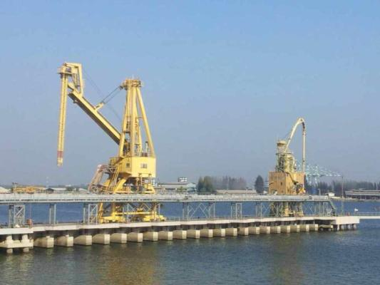 Ship-unloader duo set for extended life and capabilities