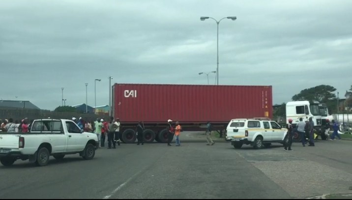 Protests outside the Port of Durban turned violent. (Photo: SA Trucker)