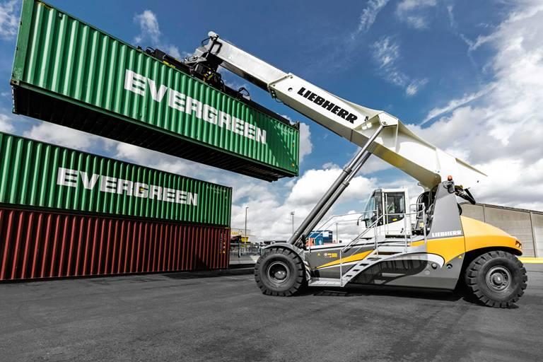 Liebherr wins first reach stacker order in Australia