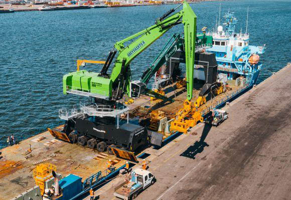 Euroports Antwerp receives Mantsinen 300M materials handler