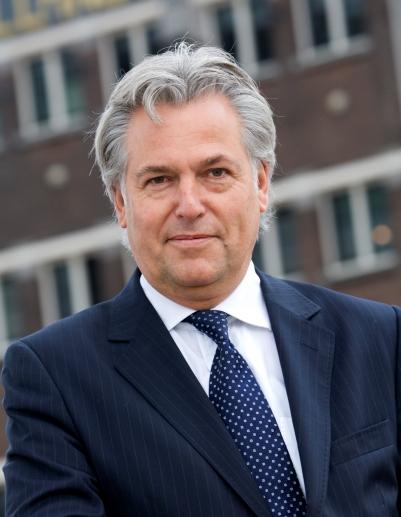SCA sells Rotterdam terminal to Hans Vervat
