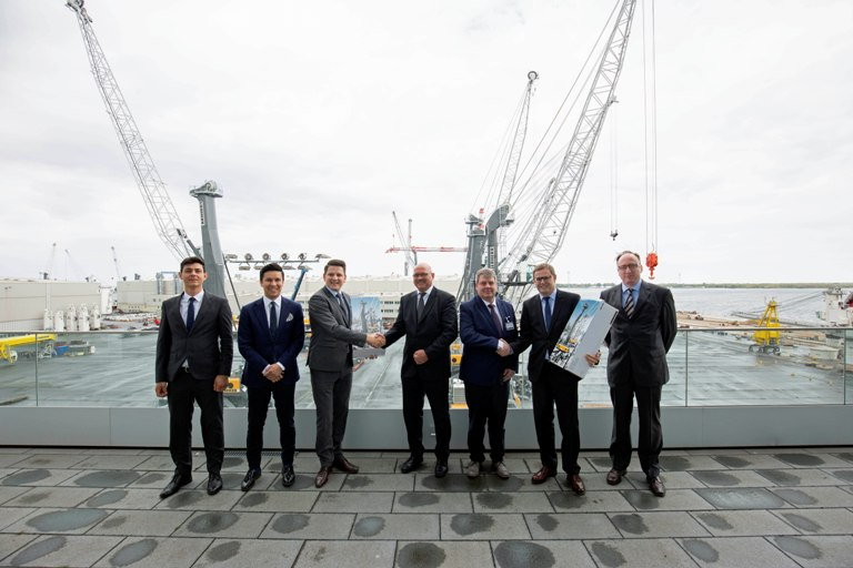 The Liebherr team in Rostock with Port of Esbjerg personnel