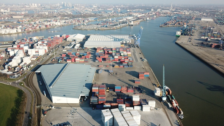 SCA sells Rotterdam terminal to Hans Vervat