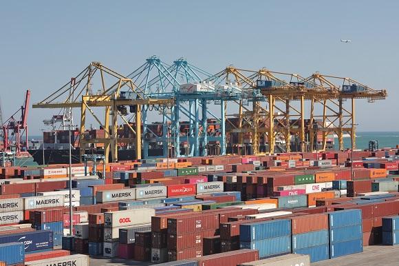 """APM Terminals Barcelona reports """"150 moves per berth hour"""""""