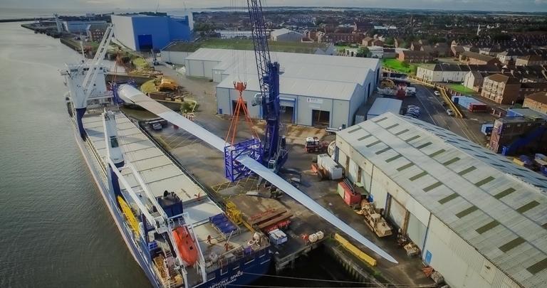 Blyth receives world's longest wind power blade