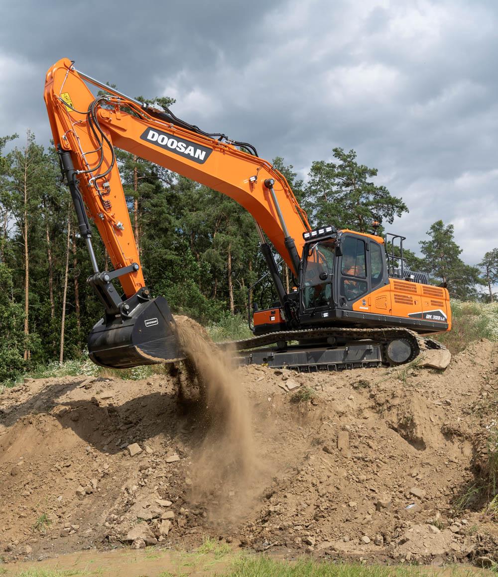 New DX300LC-7 30t Stage V excavator from Doosan