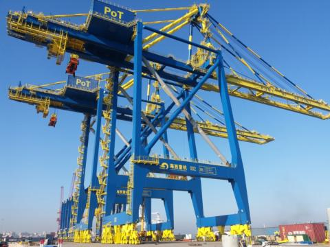 More crane orders for HHMC