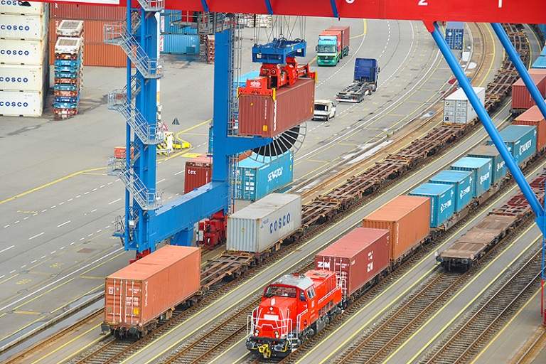 Hamburg is easily biggest rail port for container shipments