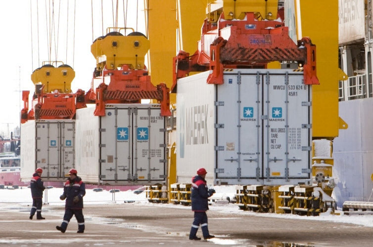 Russian container handlers increase volume