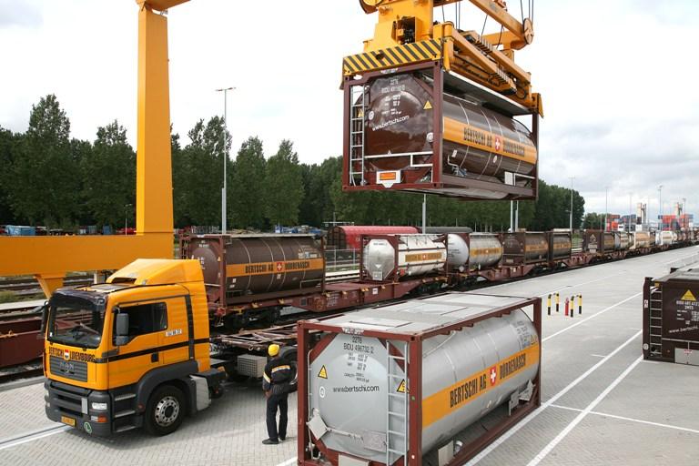 Bertschi photo of Swiss transit shipments in Hupac's Busto Arsizio terminal in Italy