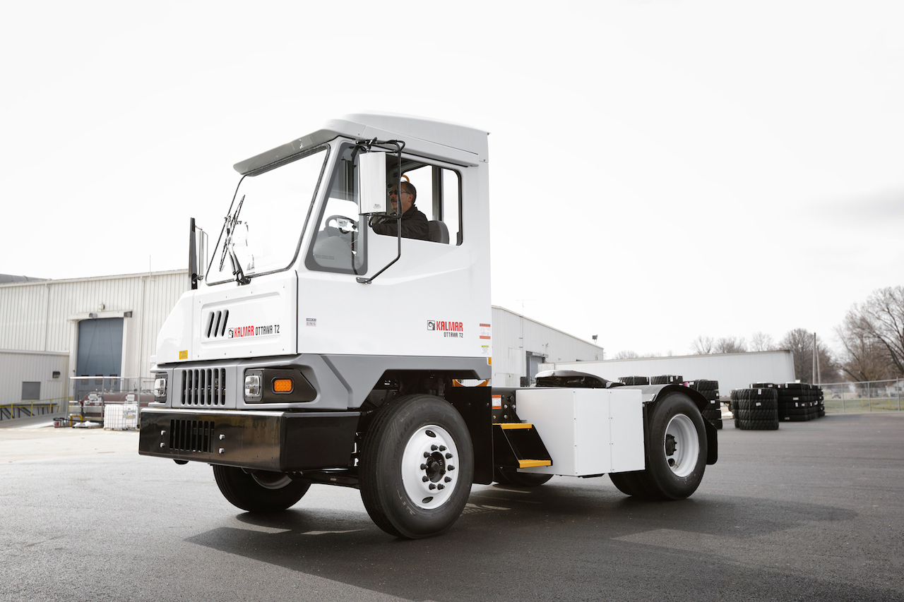 Big electric tractor order for Kalmar