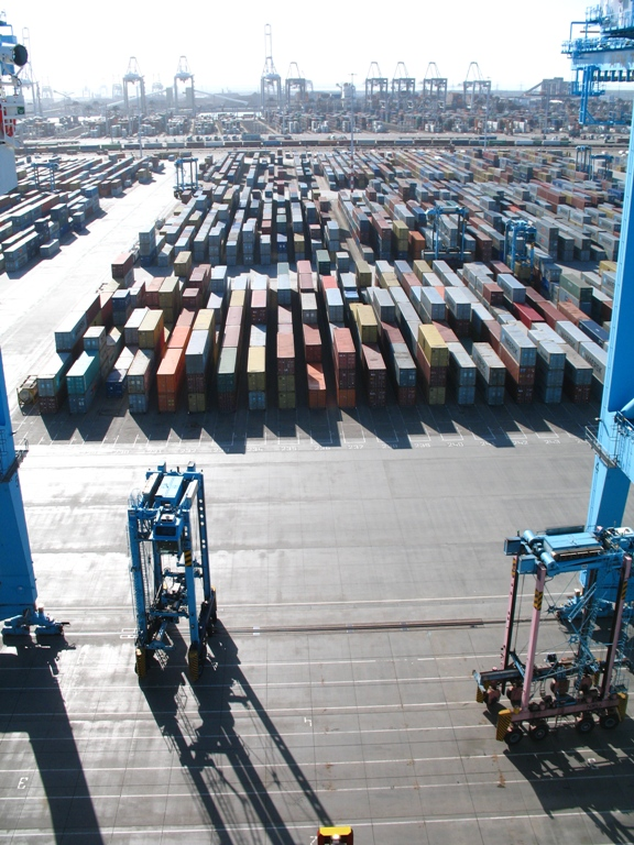 APMT-R currently handles around 2.5M TEU per year. (Photos: Provoice)