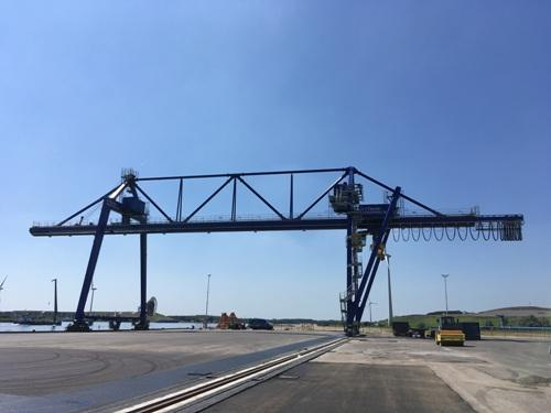 Kuenz cranes heading for Poland