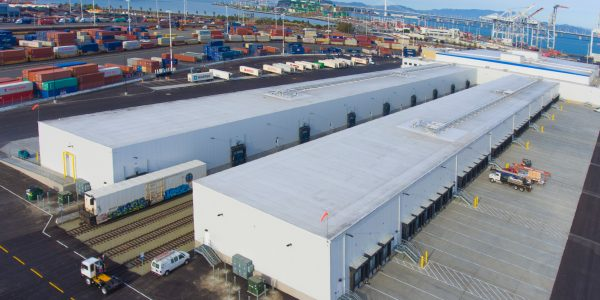 Cool Port Oakland can transload refrigerated cargo from rail cars to reefer containers