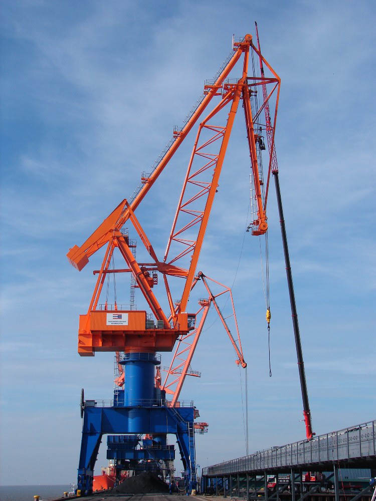 Kocks Ardelt delivers Tukan crane to Brunsbüttel