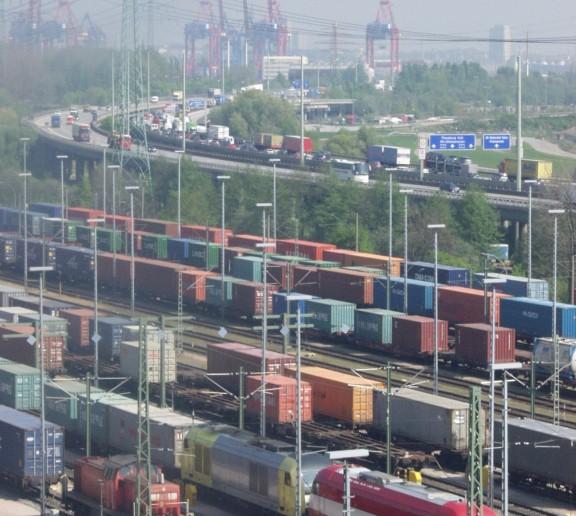Alte Süderelbe container train shunting yard in Hamburg-Moorburg