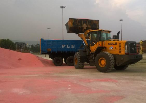 SDLG machines bring efficiency to Indian port