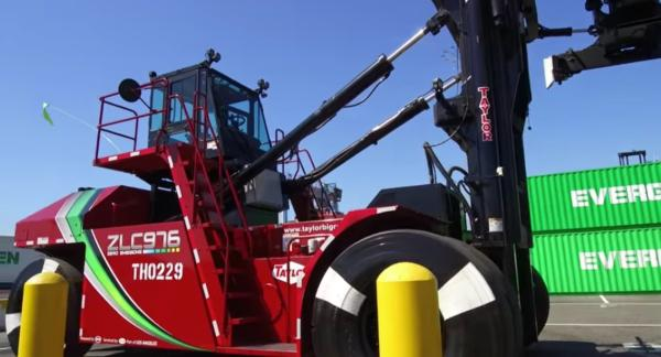 The new Taylor ZLC 976 Zero Emissions top handler